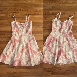 Cream/salmon summer dress 😍